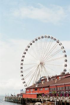 Seattle, Washington, ferris wheel.  Samantha Brooke Photography