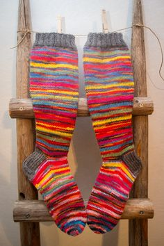 Räsymattosukat Owl Hat, Socks, Hats, Fashion, Moda, Hat, Fashion Styles, Sock, Stockings
