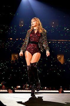 reputation Source by margotcmrf Estilo Taylor Swift, Taylor Swift Outfits, Taylor Swift Hot, Long Live Taylor Swift, Taylor Swift Concert, Taylor Swift Style, Taylor Swift Pictures, Taylor Swift Guitar, Red Taylor