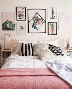 pink bedroom for small bedroom wall idea cute walls decor for girls Tropical Bedroom Decor, Tropical Bedrooms, Home Decor Bedroom, Bedroom Wall, Tropical Decor, Tropical Interior, Bedroom Ideas, Tropical Colors, Bedroom Inspo