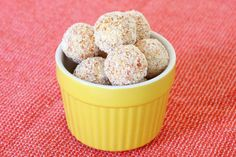 These quick & easy no-bake White Chocolate, Coconut & Apricot Balls are the perfect little treat! Plus they take less than 10 minutes!