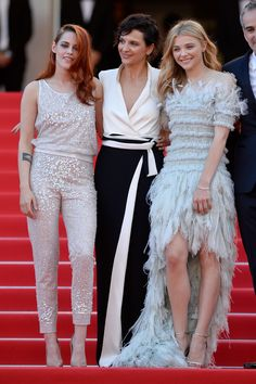 Kristen Stewart, Juliette Binoche & Chloe Grace Moretz In Chanel - 'Clouds Of Sils Maria' Cannes Film Festival Premiere - http://www.becauseiamfabulous.com/2014/05/kristen-stewart-juliette-binoche-chloe-grace-moretz-in-chanel-clouds-of-sils-maria-cannes-film-festival-premiere/