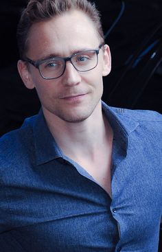 Tom Hiddleston is a button-torturer.