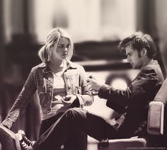 -Billie Piper and David Tennant. Doctor Who <3