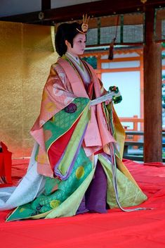 This Kimono is a reproduction of ' 12 hitoe', a Japanese traditional garb for ladies of the Heian Era, which requires 12 layers of kimono to complete the look.