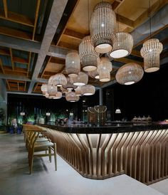 restaurant interieur Rattan is a bar-restaurant which is located on the main road of Faliraki in the island of Rhodes. Lounge Design, Bar Lounge, Design Hotel, Bar Interior Design, Restaurant Interior Design, Cafe Design, Japanese Restaurant Interior, Design Design, Exterior Design