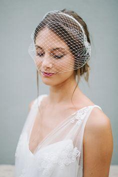 Velo de novia corto birdcage diadema Linn por BelleJulieShop