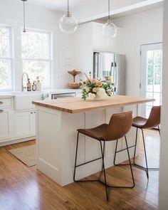 "74 Likes, 4 Comments - Aundra Skinner (@aundraskinner) on Instagram: ""I stumbled upon this gorgeous kitchen by @emilysuenetz Emily did a amazing job updating her 1920's…"""