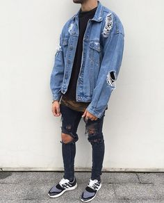 Check out @streetfashion.onpoint Outfit by @sxvsu #mensfashion_guide #mensguide Tag us in your pictures for a chance to get featured. @instagram @selenagomez @taylorswift @arianagrande @beyonce @kimkardashian @justinbieber @cristiano @kyliejenner @kendalljenner @nickiminaj @therock @nike @natgeo @neymarjr @khloekardashian @katyperry @leomessi