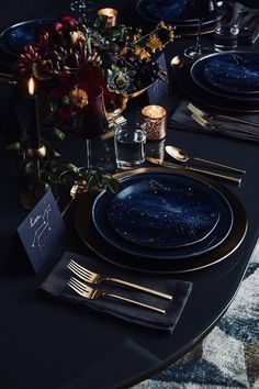 Good table design, since I have these West Elm plates Starry Night Wedding, Celestial Wedding, Holiday Looks, Decoration Table, Dinner Table Decorations, Reception Decorations, Christmas Decorations, Blue Wedding Decorations, Christmas Tables
