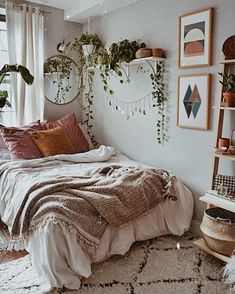 New Best aesthetic room decor images in 2020 Part 19 ; bedroom ideas for small rooms; bedroom ideas for small rooms; bedroom ideas for couples; Room Ideas Bedroom, Home Decor Bedroom, Bedroom Art, Bedroom Inspo, Bohemian Bedroom Design, Bohemian Decor, Decor For Small Bedroom, Bedroom Designs, Bohemian Style Bedrooms