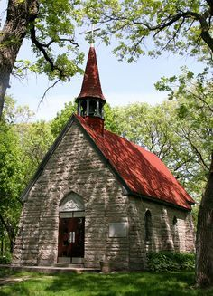 """This is a photograph of """"Grasshopper"""" Chapel that is located in Cold Spring, Minnesota. This chapel is absolutely gorgeous in summer time. Abandoned Churches, Old Churches, Abandoned Cities, Take Me To Church, My Church, Old Country Churches, Church Pictures, Church Architecture, Cathedral Church"""