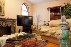 OopsnewsHotels - Eve's Bed and Breakfast Brooklyn. Eve's Bed and Breakfast Brooklyn is situated in Brooklyn, just 30 minutes from John F. Kennedy International Airport. It also offers a designated smoking area and luggage storage.   The bed & breakfast has 3 charming rooms offering all the essentials to ensure a comfortable stay.