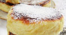 Kto nie lubi racuchów :) Dobrze się kojarzą, bo przecież kiedyś smażyły je dla nas mamy i babcie :) Moje racuchy są bardzo pulchne i wyrośn... Camembert Cheese, Hamburger, Bread, Food, Brot, Essen, Baking, Burgers, Meals
