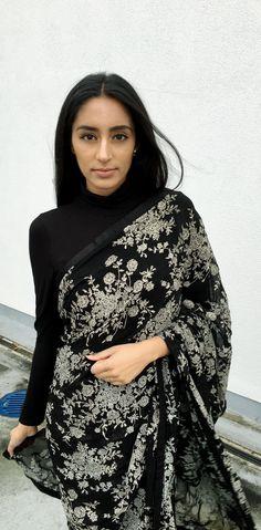 Vintage Florals: A Ritu Kumar Floral Sari One of my favourite designers is Ritu Kumar, so imagine my surprise when I was… Anarkali, Lehenga, Moderne Outfits, Look Short, Saree Trends, Stylish Sarees, Saree Look, Elegant Saree, Indian Attire