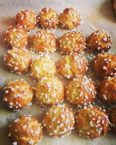"""Chouquettes selon Philippe Conticini - <meta name=""""p:domain_verify"""" Stuffed Pepper Casserole, Sweet Butter, Tasty, Yummy Food, Beignets, Cooking Chef, Desert Recipes, Just Desserts, Biscuits"""