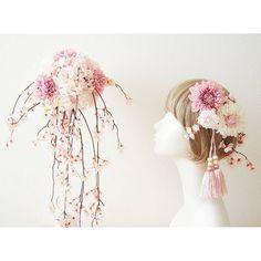 【saori.atelier.shirley.bloom】さんのInstagramをピンしています。 《#さくら #桜 #しだれざくら  #八重桜 #cherryblossom #ダリア #dhalia #カーネーション #carnation #タッセル #tassel #シャワーブーケ  #showerbouquet #ウエディングブーケ #weddingbouquet #結婚式  #weddingparty #結婚 #marriage #MAGIQ #和装  #着物 #kimono #japanesestyle #japanesetraditional #アーティフィシャルフラワー #artificialflower》