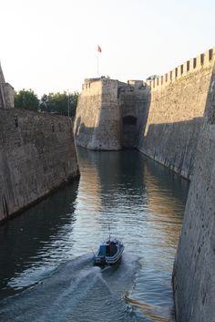 Ciudad Aut. de Ceuta (Paredes Reales). ESP.-