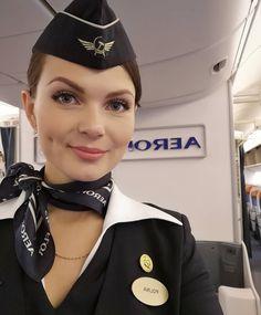 I surrender, miss. Air France, Delta Flight Attendant, Antonio Diaz, Airline Uniforms, Professional Wear, Military Women, Girls Uniforms, Cabin Crew, The Most Beautiful Girl