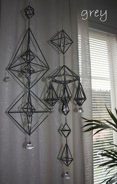 Harmaan sävyjä: marraskuuta 2013 Diy Origami, Handmade Ornaments, Diy Projects To Try, Suncatchers, Diy Wall, Lamp Light, Diy And Crafts, Chandelier, Ceiling Lights