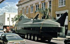 WDW, Leagues Under the Sea: Submarine Voyage Nautilus Submarine, Land Ho, Sf Movies, House Of M, Leagues Under The Sea, Disney Posters, Submarines, Retro Art, Magic Kingdom