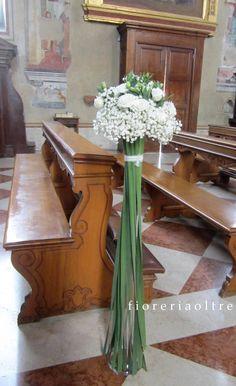 Fioreria Oltre/ Wedding ceremony/ Church wedding flowers/ Aisle decoration…