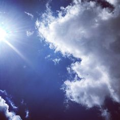 Tää makais tässä niinku lomalla.  #holiday #vacation #summer #summertime #saimaa #taivas #sky #bluskies #sinitaivas