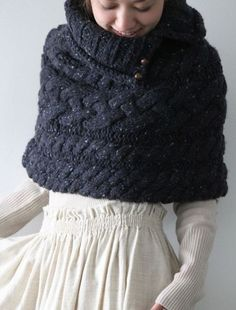 Baby, it's cold outside! When it's chilly, there's nothing better than wrapping into a cozy knit shawl or stay at home with a warm knit blanket. If your big day is right in the cold season, why not add such cozy warm details to it?