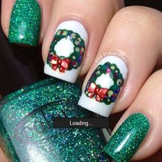 Holiday Nails - wreath - a little too late, but I know how I'll do my nails