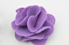 How to make fabric flowers for hair accessories. So easy!