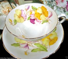 STANLEY TEA CUP AND SAUCER great design PANSIES TEACUP