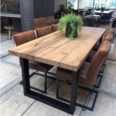 Dining Room Table Decor, Wooden Dining Tables, Dining Room Design, Room Decor, Metal Leg Dining Table, Modern Rustic Dining Table, Modern Table Legs, Industrial Table, Farmhouse Table