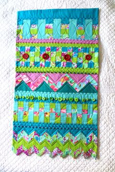 Seminole patchwork mini quilt by EfemeraInk: Kaffe Fassett fabrics and embellishments with a triangle edge Tutorial Patchwork, Patchwork Patterns, Quilt Patterns, Patchwork Quilting, Small Quilts, Mini Quilts, Strip Quilts, Quilt Blocks, Easy Quilts