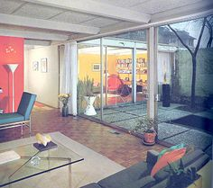 1960s decoration often featured an accent wall