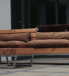 Stoere tuinbank van hout en staal, robuust en duurzaam! Deze loungebank is een aanwinst voor iedere tuin. Meubelmakerij | Houtkwadraat | Sterk spul