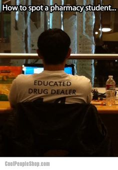 How to spot a pharmacy student. this person shall remain un-named (; hahaha omg i cant stop laughing.