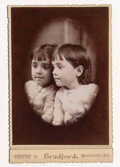 Little-Girls-Portrait-reflection-in-mirror-Cabinet-Card-photo-1880-90s-Ind