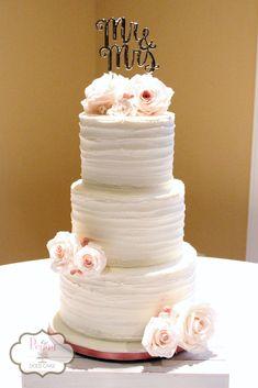 Wedding cake with sugar flowers!  #rusticweddingcake #simpleweddingcake #peggydoescake