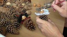 Jana Melas Pullmannová: Záves zo šišiek Christmas Decoupage, Christmas Ornaments To Make, Christmas Crafts, Christmas Decorations, Xmas, Snow Crafts, Paper News, Paper Crafts, Diy Crafts