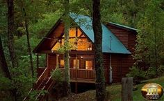 Smoky Mountain Cabin Rentals in Gatlinburg and Pigeon Forge Ideas De Cabina, Smoky Mountains Cabins, Mountain Cabins, Mountain Cabin Rentals, Gatlinburg Cabin Rentals, Gatlinburg Restaurants, Lakefront Property, Home Buying Tips, A Frame Cabin