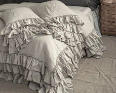Shabby Chic linen ruffled duvet cover with ruffles. Softened and washed linen. MOOshop new colors. Best Duvet Covers, Luxury Duvet Covers, Luxury Bedding Sets, Duvet Cover Sets, Shabby Chic Bedding Sets, Vintage Bedding Set, Shabby Chic Bedroom Furniture, Rustic Bedding, Ruffle Duvet