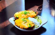 33 Taps - 6263 Hollywood Blvd. Potatoes with melted Cheddar #Cheddar #Cheese #Potatoes #Restaurant #HollywoodBoulevard #HollywoodBlvd #33Taps  #DHmagazine @33taps