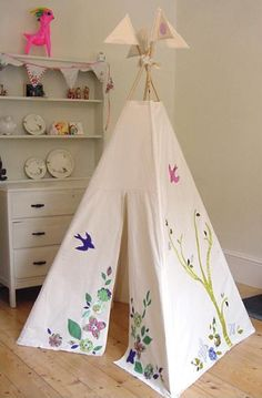diy play tent for kids | DIY wigwam play tents for kids – SO much fun! | kathrynasher