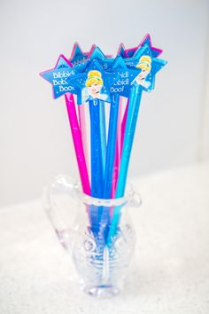 Create magic with the inspiration found in this Pretty Princess Cinderella Birthday Party at Kara's Party Ideas. Any princess will be delighted! 4th Birthday Parties, Birthday Diy, Birthday Party Favors, Birthday Crowns, Themed Parties, Princess Party Favors, Disney Princess Party, Cinderella Birthday, Princess Birthday