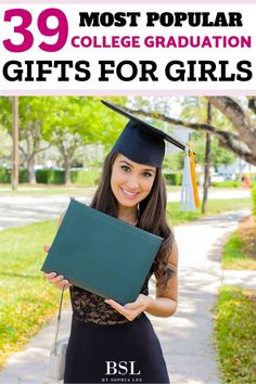 39 Best College Graduation Gifts for Girls - By Sophia Lee - - These popular college graduation gifts for girls show the graduate just how special their accomplishment is with gift ideas they will use all the time. College Girls, Unique Graduation Gifts, Graduation Gifts For Daughter, High School Graduation Gifts, Personalized Graduation Gifts, College Graduation Gifts, Graduation Party Decor, College Fun, College Students