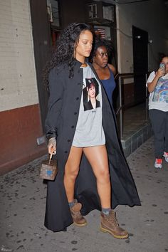 Rihanna_Acting_Studio_NYC_Oct_19_2016_0005.JPG Click image to close this window
