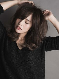 Pin on Hair and beauty Asian Short Hair, Asian Hair, Midi Hair, Medium Hair Styles, Curly Hair Styles, Shot Hair Styles, Hair Arrange, Long Hair With Bangs, Permed Hairstyles