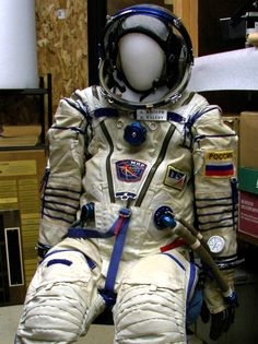 Russian Sokol spacesuit. Space Clothing, Space Outfit, Space Suits, Kennedy Space Center, Space And Astronomy, Space Program, Wearable Technology, Phobias, Space Exploration
