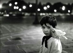 Robert-Doisneau-Boy with dove.jpg