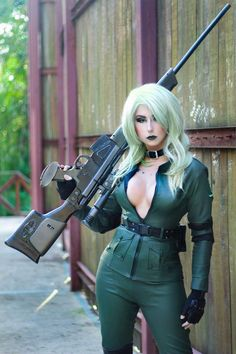 Cosplayer: Giu Hellsing Cosplay. Country: Brazil. Cosplay: Sniper Wolf from MGS. Photo by: Everton Nunes. https://www.facebook.com/GiuHellsing/